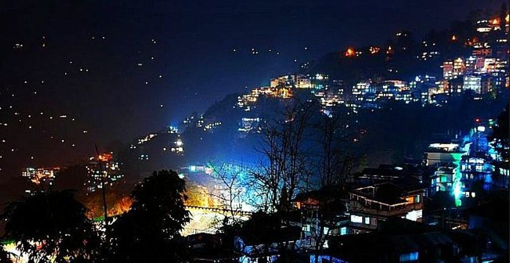 gangtok at night images